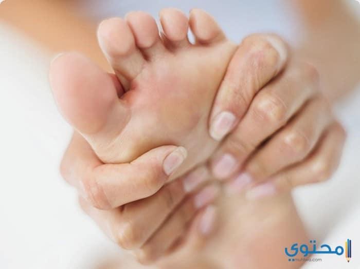 أعراض تنميل القدمين