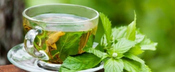 أضرار تناول الشاي الأخضر باستمرار
