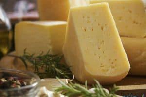 اهم فوائد الجبن الرومي واهميتها للصحة