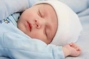 طرق العناية بالأطفال الرضع في الشهر الأول