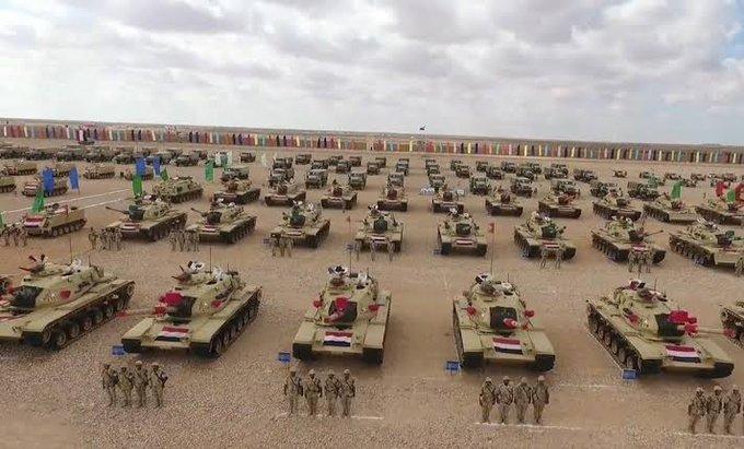 مكتوب عليها عساكر خلفيات عسكرية للجيش المصري