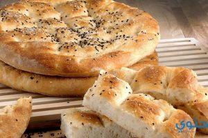 طريقة عمل الخبز التركى بالسمسم