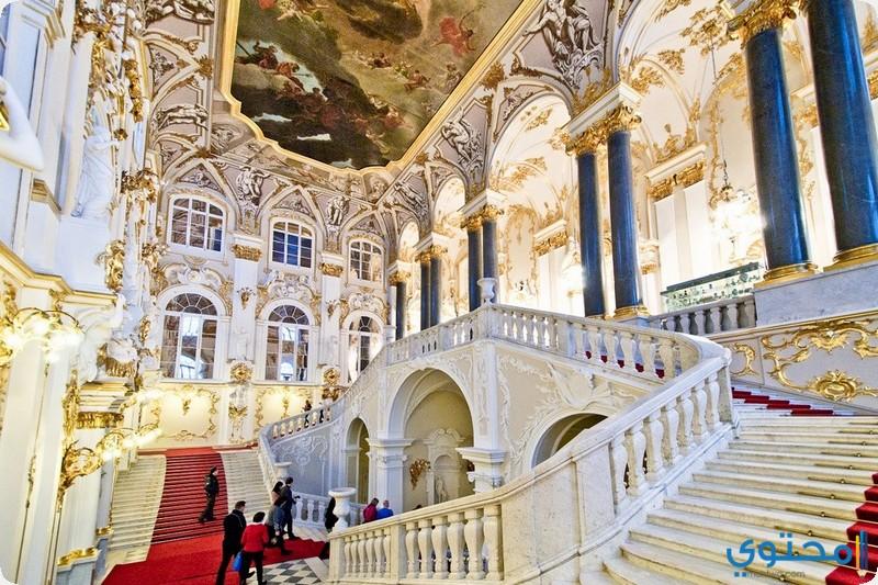من داخل قصر الشتاء