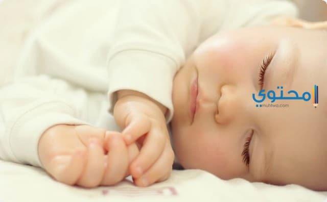 تطورات الطفل في الشهر الثالث