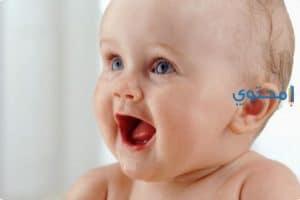العناية بالطفل في الشهر الثامن