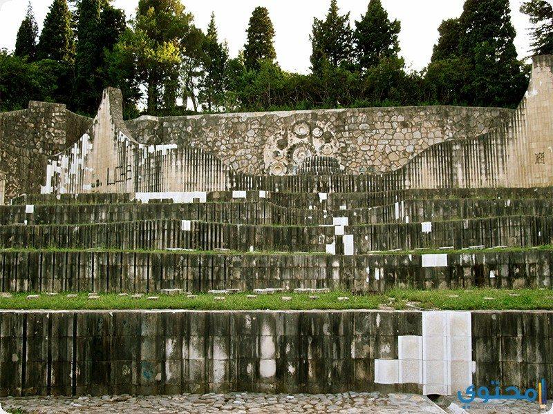 النصب التذكاري بموستار