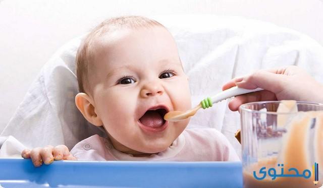 اول طعام للطفل الرضيع