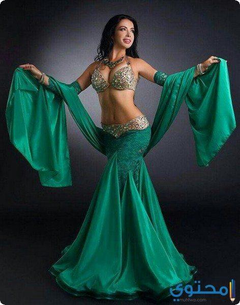 بدل رقص مثيرة وجميلة
