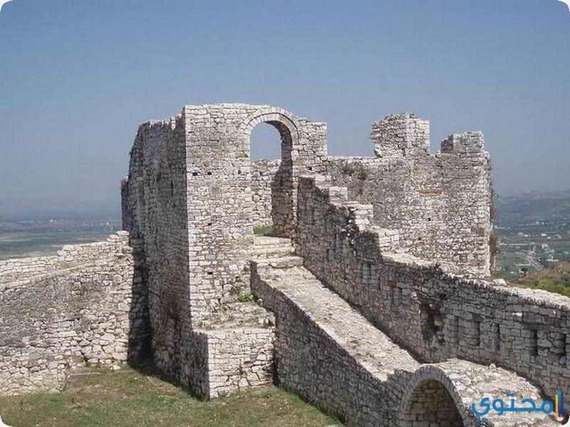 قلعة براتيت البانيا