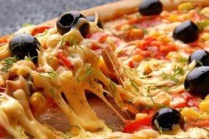 طريقة تحضير بيتزا صينية حارة مثل المطاعم