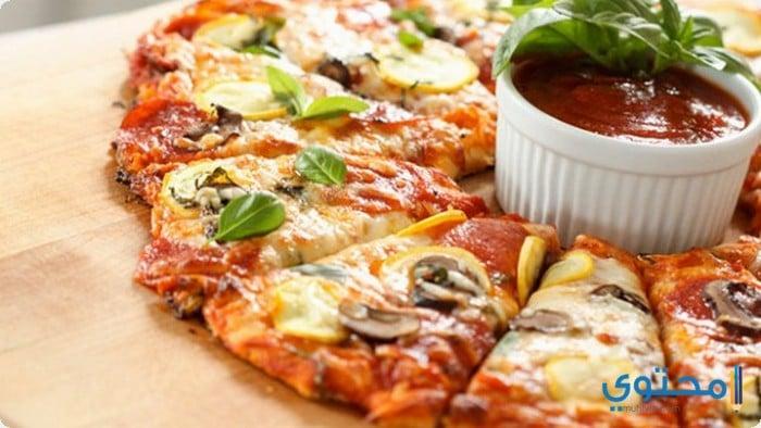 بيتزا بالجبنة الموزريلا