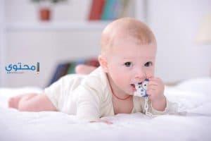 تفسير رؤية ولادة طفل ذكر بمنام الرجل والعزباء والمتزوجة والحامل