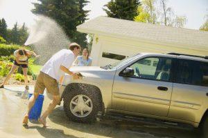تعلم كيف تغسل سيارتك