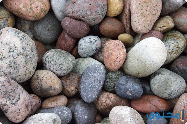 الصخور في المنام