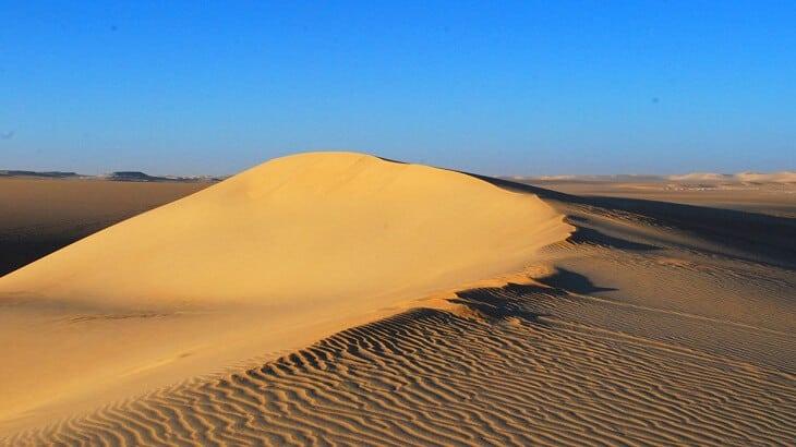 الرمل في المنام