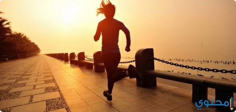 ممارسة رياضة المشي