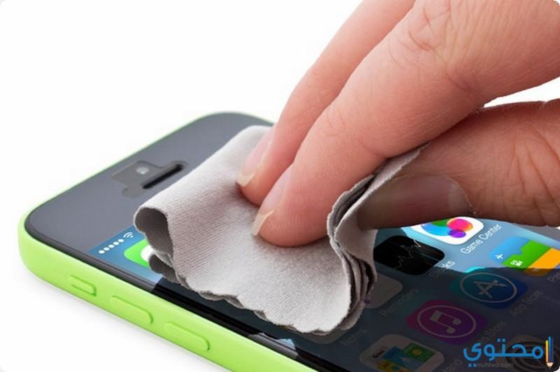 تنظيف شاشة الهاتف المحمول والتابلت