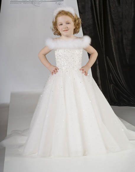 31d42aafc أحدث فساتين زفاف للأطفال 2019 - موقع محتوى
