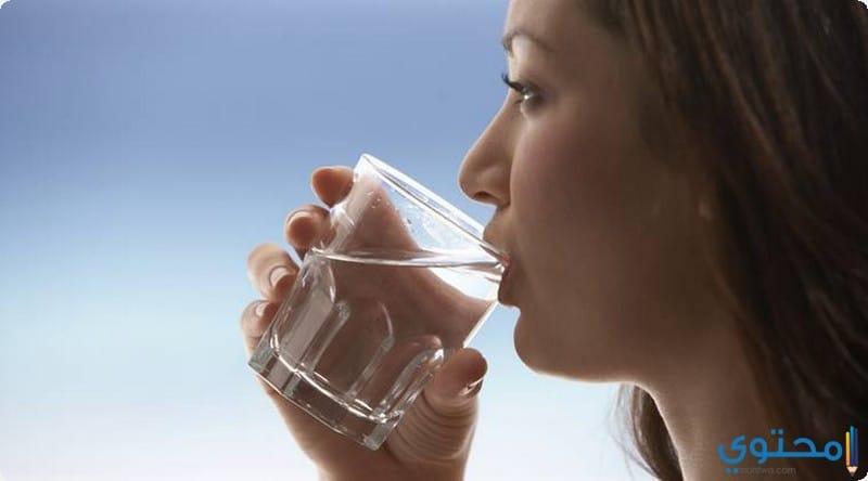 تناول المياه بمدل 2 لتر يوميا