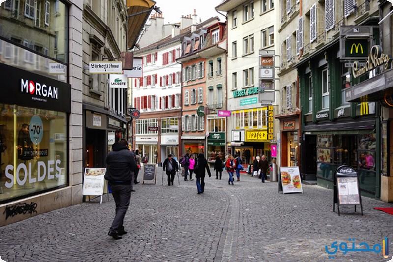 التسوق في شارع رو دي بورج