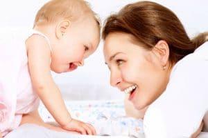 رسائل تهنئة وأفكار للأحتفال بالمولود الجديد