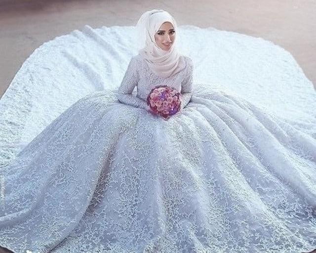 e4f77fdb2664c أجمل فساتين زفاف للمحجبات 2019 - موقع محتوى