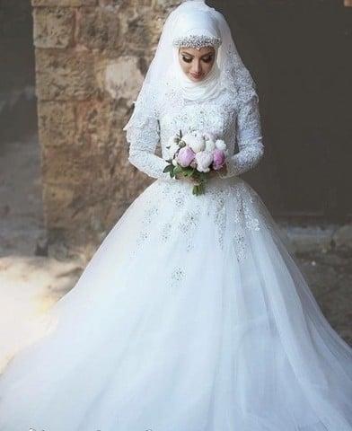 e301c69ab أجمل فساتين زفاف للمحجبات 2019 - موقع محتوى
