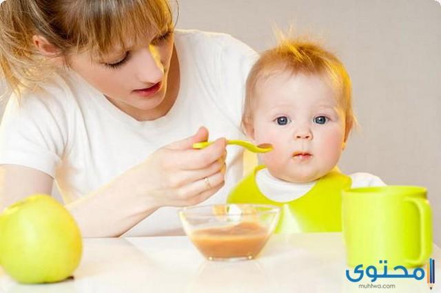 عدد وجبات الطفل في الشهر الرابع
