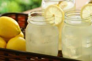 فوائد عصير الليمون لخسارة الوزن ونضارة البشرة