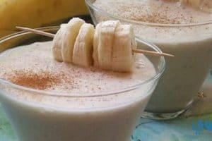 وصفة تحضير عصير الموز بنكهات مختلفة