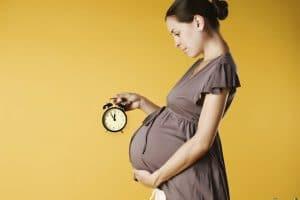 طرق علاج تأخر الحمل بالأعشاب