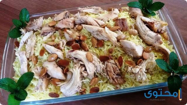 فتة الدجاج بالأرز