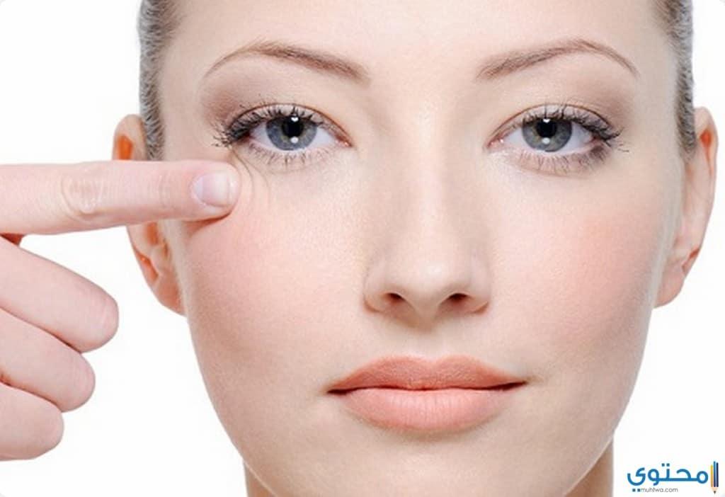 علاج انتفاخ العينين بالثلج