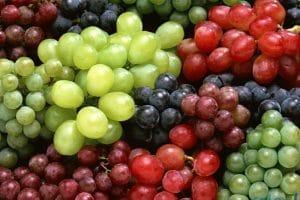 فوائد العنب للبشرة والشعر