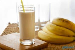 الفوائد الصحية لتناول مشروب الموز باللبن