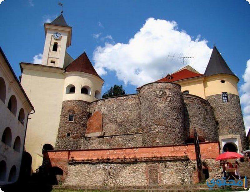 قلعة بالبنوك