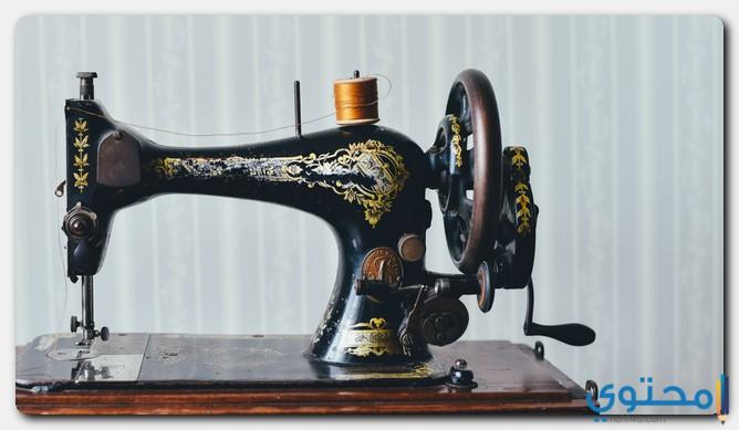 مخترع ماكينة الخياطة الآلية