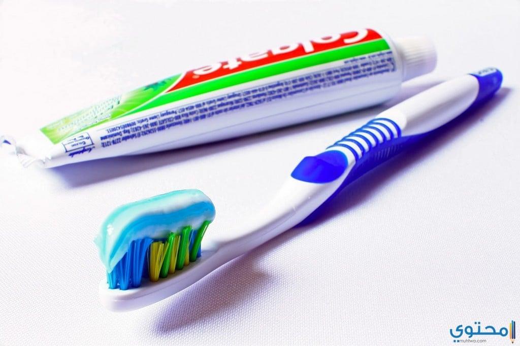 أضرار معجون الأسنان على البشرة