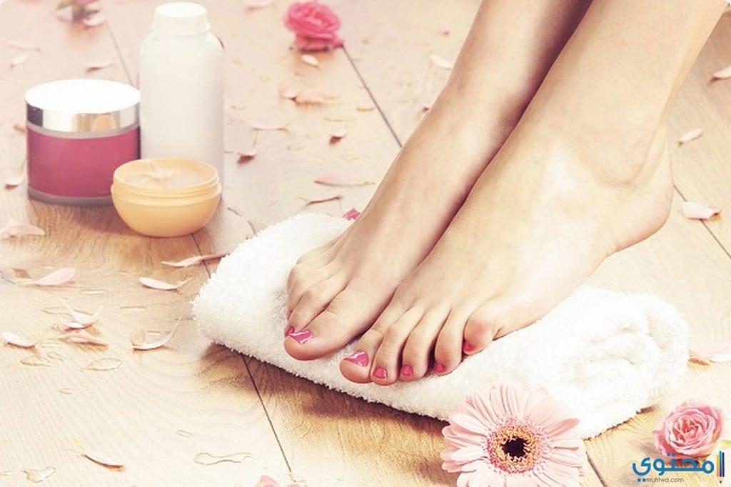 كيفية علاج الجلد الميت من القدمين