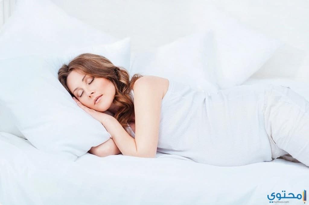 أوضاع نوم خاطئة للحامل