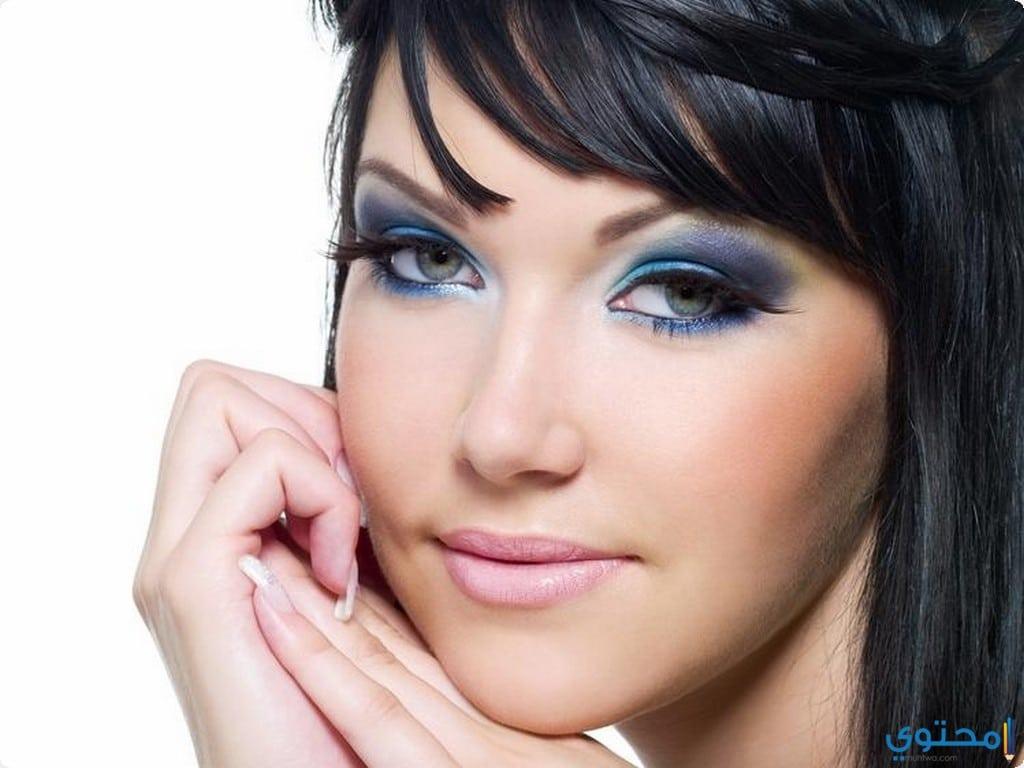 عيون خليجي باللون الأزرق