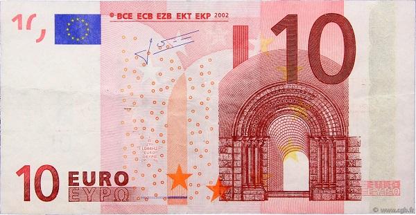 10 يورو