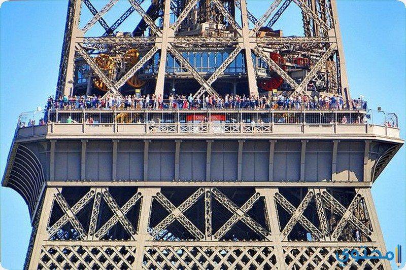 طابق برج ايفل