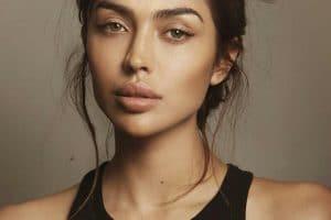 صور المغنية اللبنانية نايا