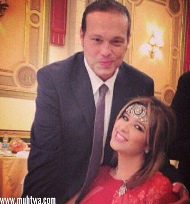 صور ياسمين عبد العزيز وزوجها