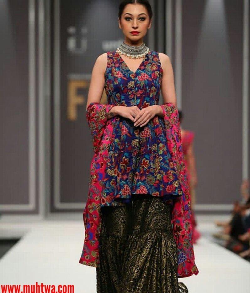 أزياء باكستانية