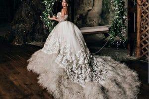 فساتين زفاف رومانسية تتميز بالهدوء والفخامة