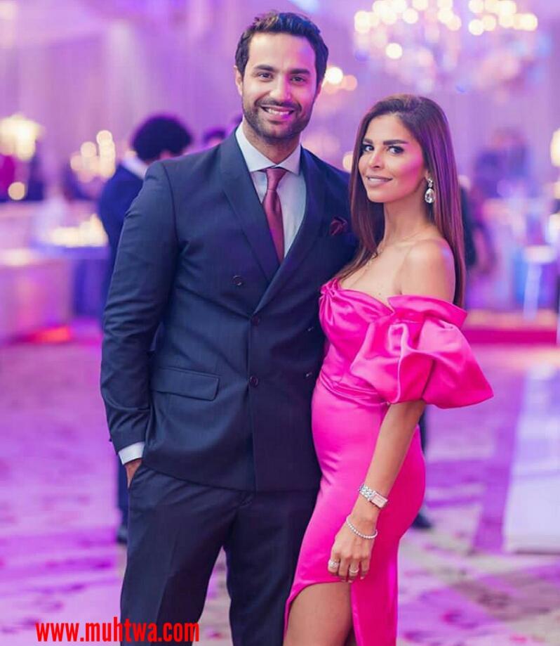 صور الفنان كريم فهمى وزوجته