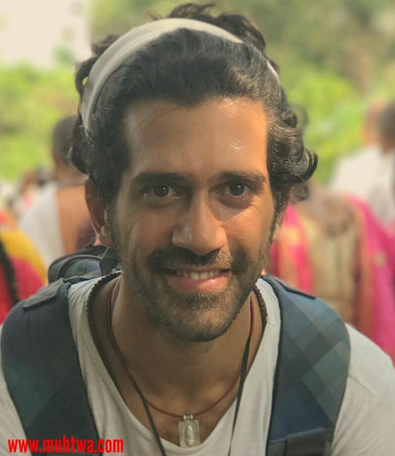 الفنان أحمد مجدى