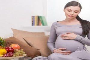 اضرار الحمل في شهر رمضان وأهم الاطعمة للحامل